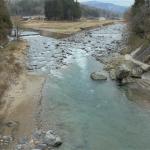 本流と一色川合流点
